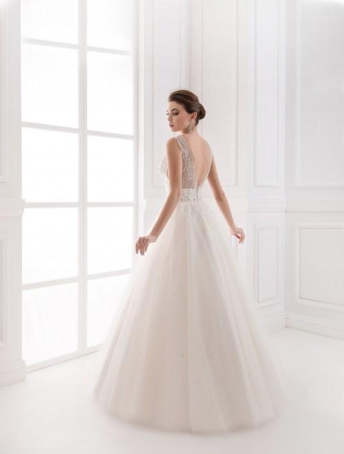 https://voloca-wedding-dresses.com/images/stories/virtuemart/product/VWD_IP_36_a.jpg