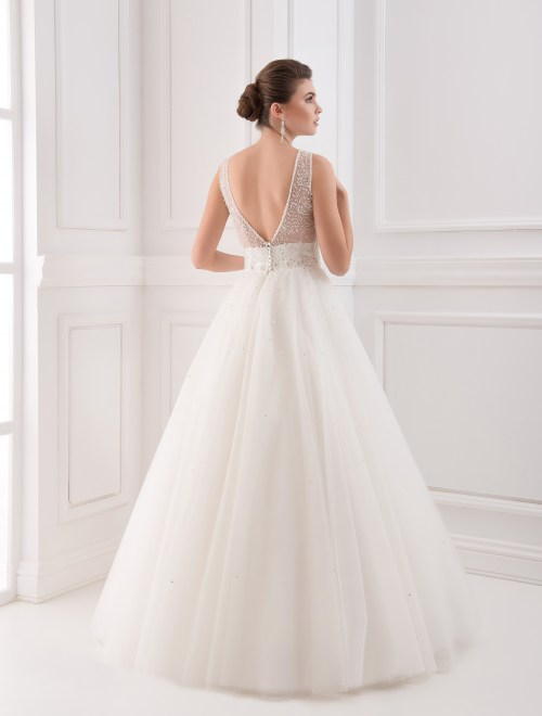https://voloca-wedding-dresses.com/images/stories/virtuemart/product/VWD_IP_36_c.jpg